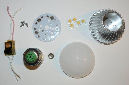 Все необходимые комплектующие для сборки одной светодиодной лампы