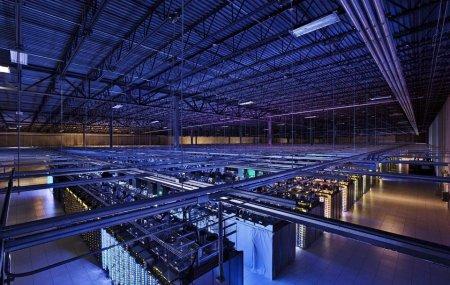 Огромная серверная